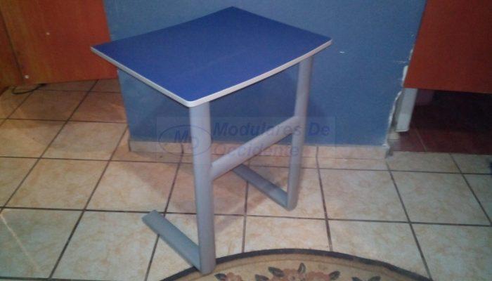 mesa metalica estudiante