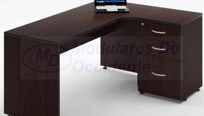 escritorio con lateral